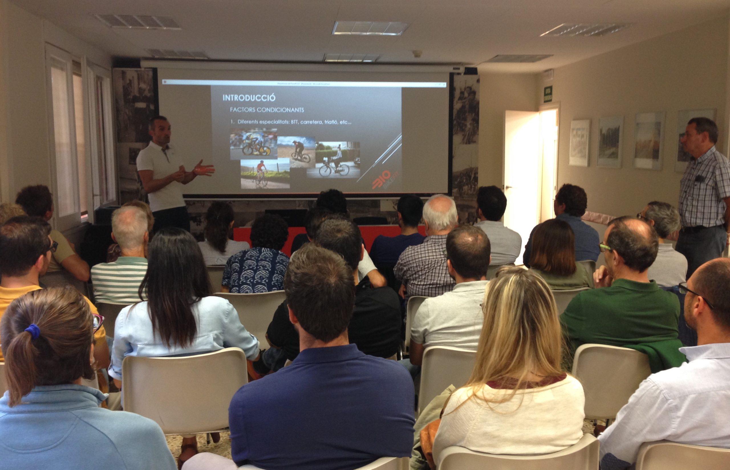 Oriol Palau conferencia Unio Ciclista Sant Cugat